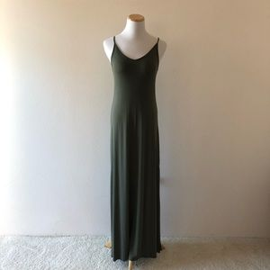 Green flow dress with side slits Size S